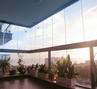 סגירת מרפסת זכוכית מתקפלת – חיפה