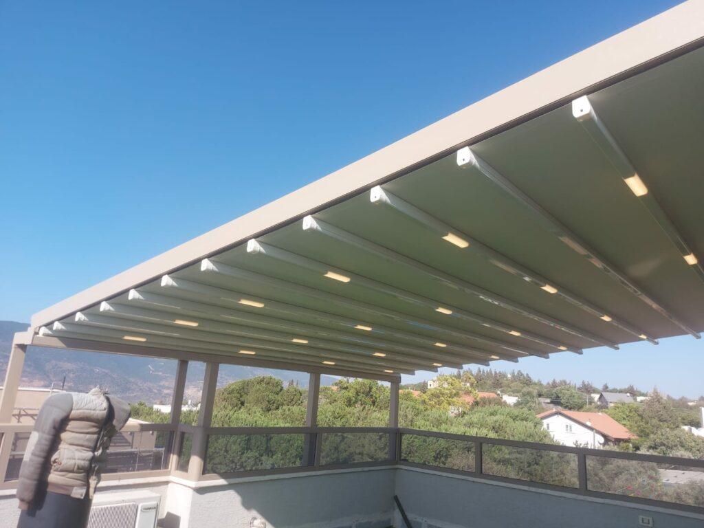 פרגולה חשמלית לדירת גג